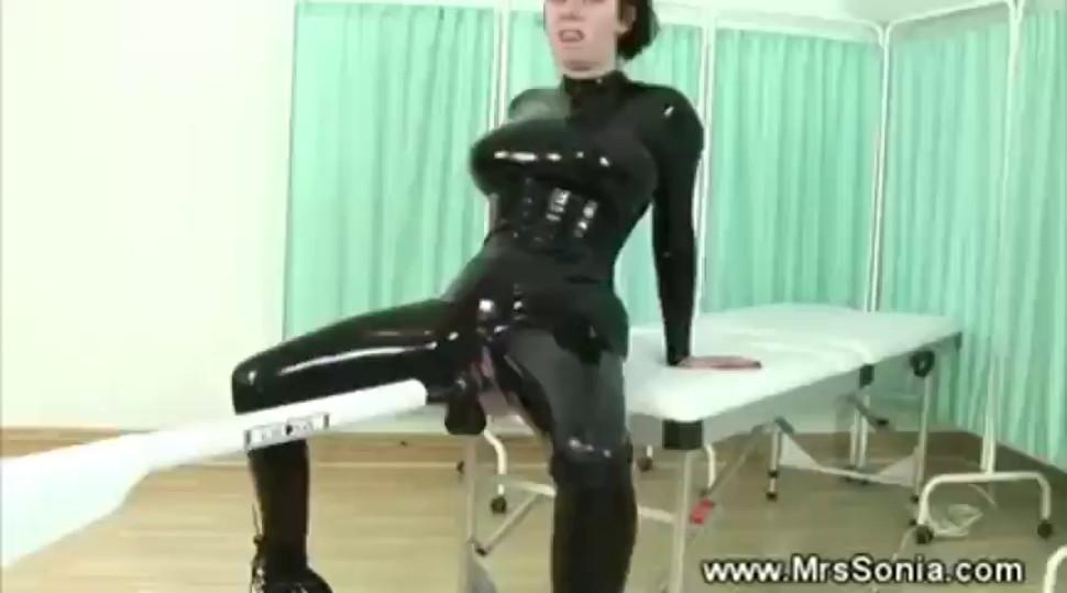 Femdom fuck machine fetish