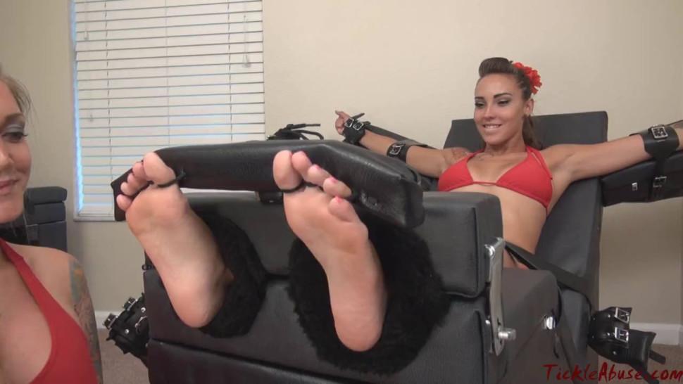 Sasha Foxx tickled by Taylor Raz