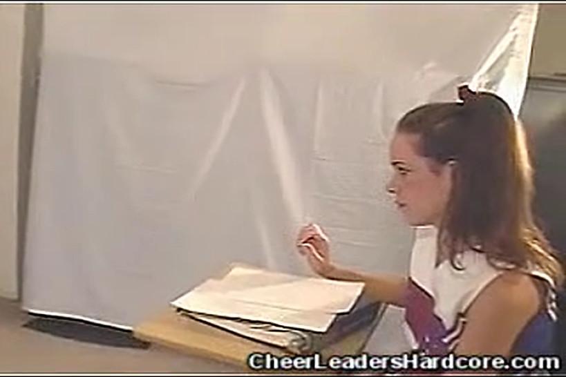 CHEERLEADERS HARDCORE - Cheerleader Stripping