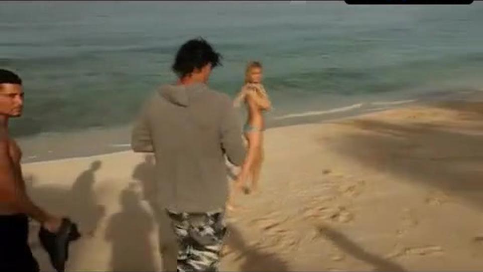 Kate Upton Bikini Scene  in Sports Illustrated Swimsuit 2011 (Outtakes)