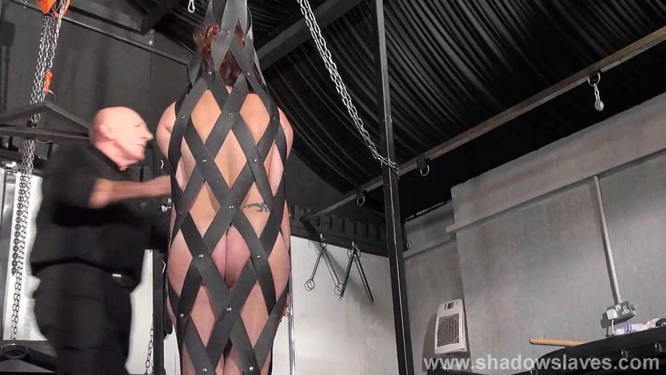 Bdsm/bizarre/leather slave in girl in