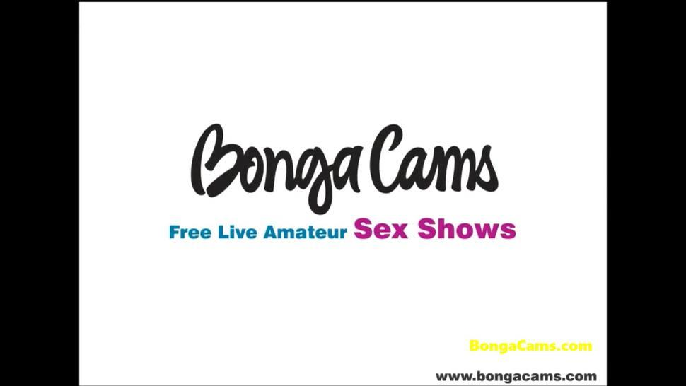 BongaCams camgirl performs the anal show with a dildo