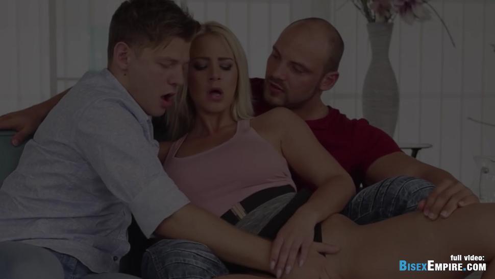 Blonde babe gets juicy cunnilingus bisexual trio
