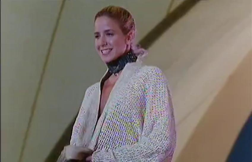 Dana Delany nude - Alison Moir nude - Stephanie Niznik nude - Exit to Eden 1994