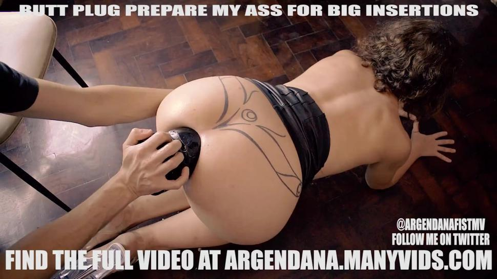EXTREME ANAL BUTTPLUG INSERTION