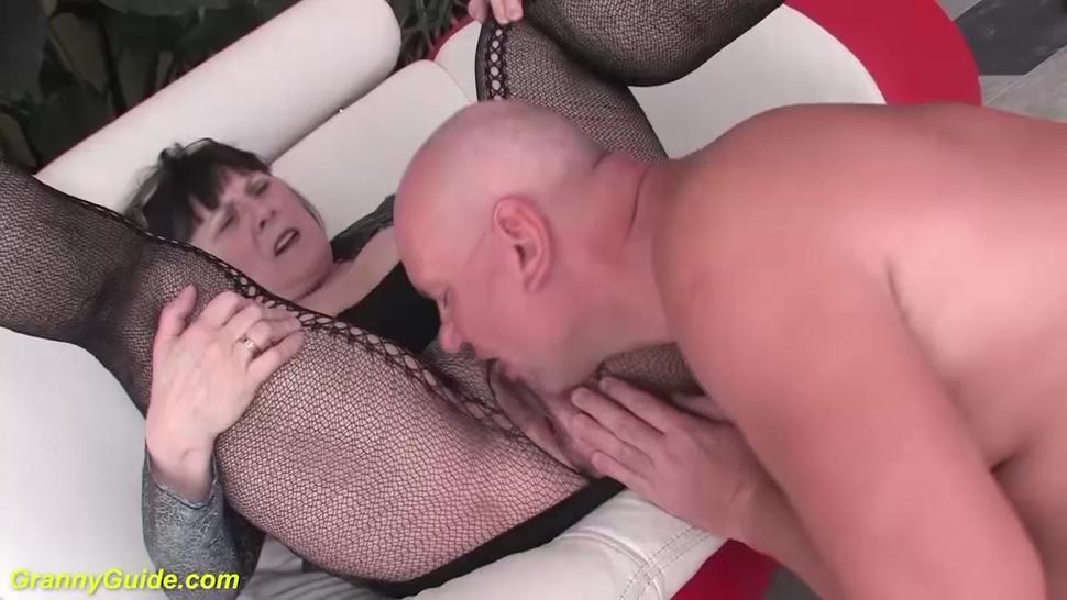 GRANNYGUIDE - ugly 68 years old mom extreme rough fucked