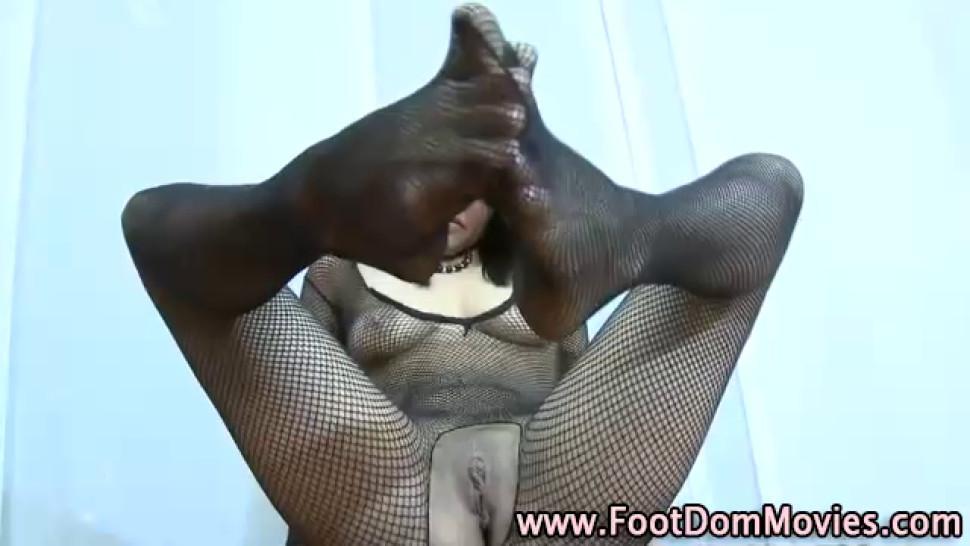 Femdom/bdsm/white worshipped feet stockings