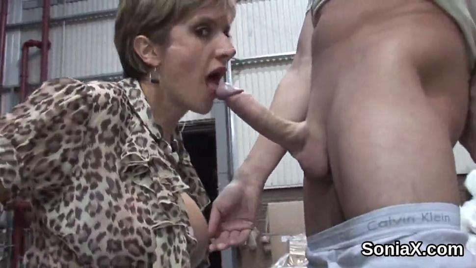 Unfaithful british mature lady sonia presents her enormous balloons