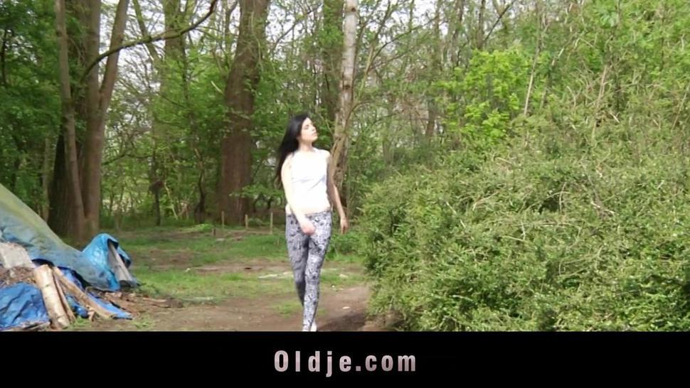 Hunk senior fucks young, beautiful Daniella Rose in a wild outdoor screw
