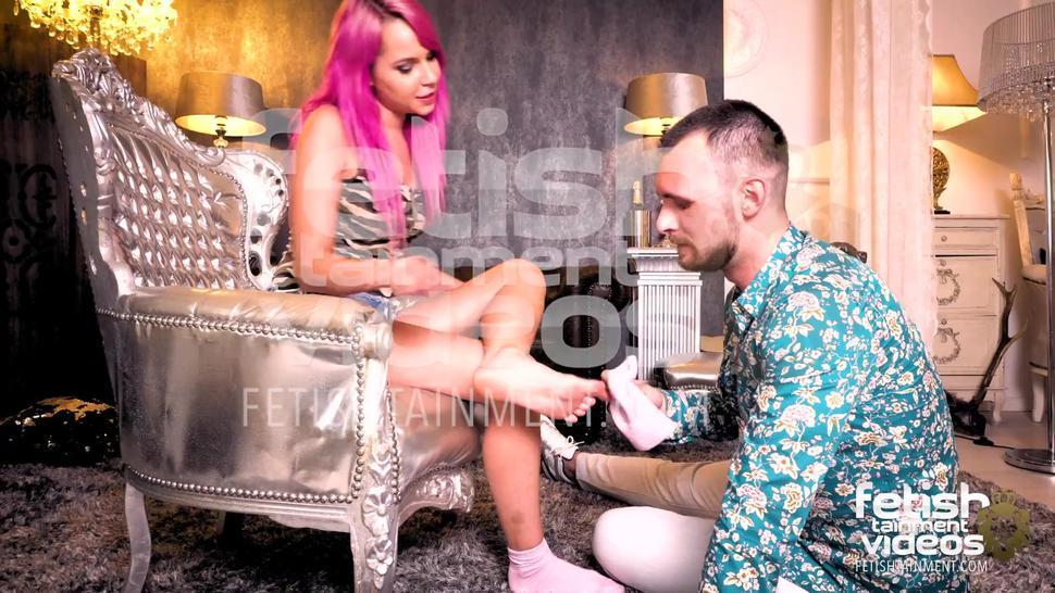 FOOTFETISH SURPRISE / Foot humiliation / Fetishtainment TEASER
