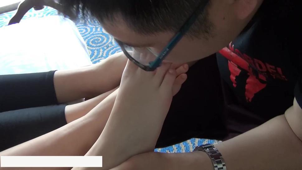 Asian Toe Licking