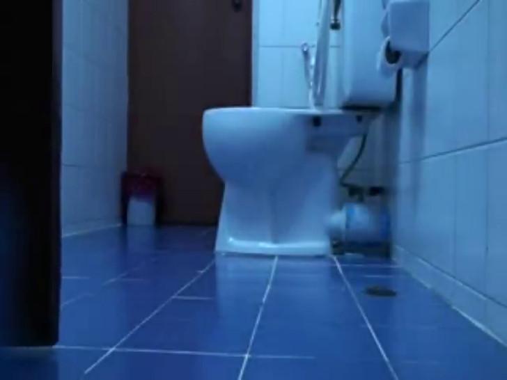 hidden cam in toilet