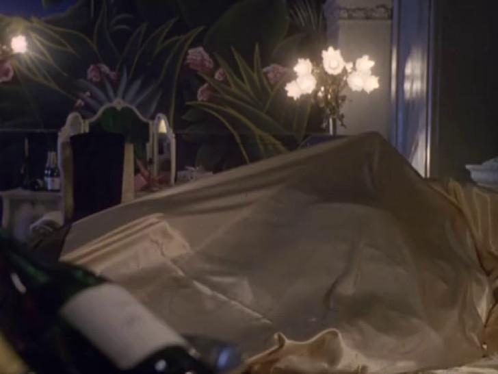 Theresa Russell nude - Hotel Paradise - 1995