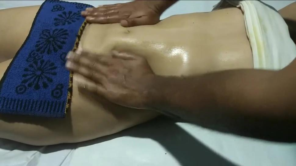 HIGH PROFILE INDIAN LADY,SEXY MASSAGE LEADS TO WET PANTIES PART 2