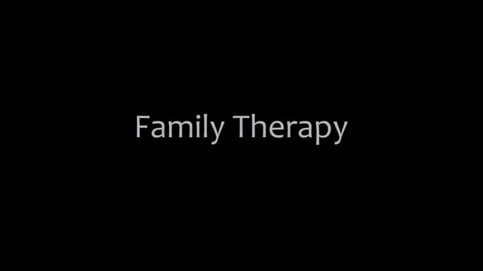 FamilyTherapy.20.09.18.Katie.Monroe.Nikki.Sweet.Take.The.Family.Pill