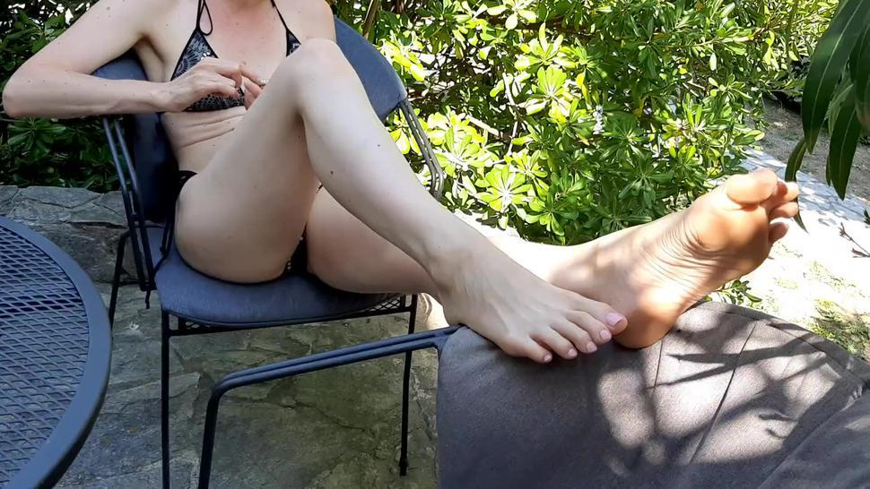Candid Big Feet - Beautiful, Sexy and Stinky Feet, Long Toes