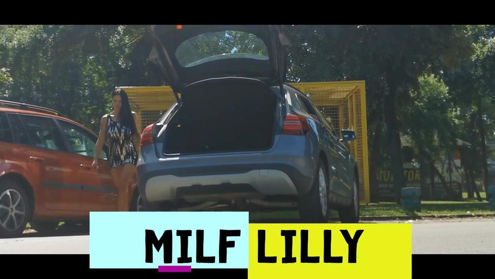 Milf Lilly without panties under the skirt