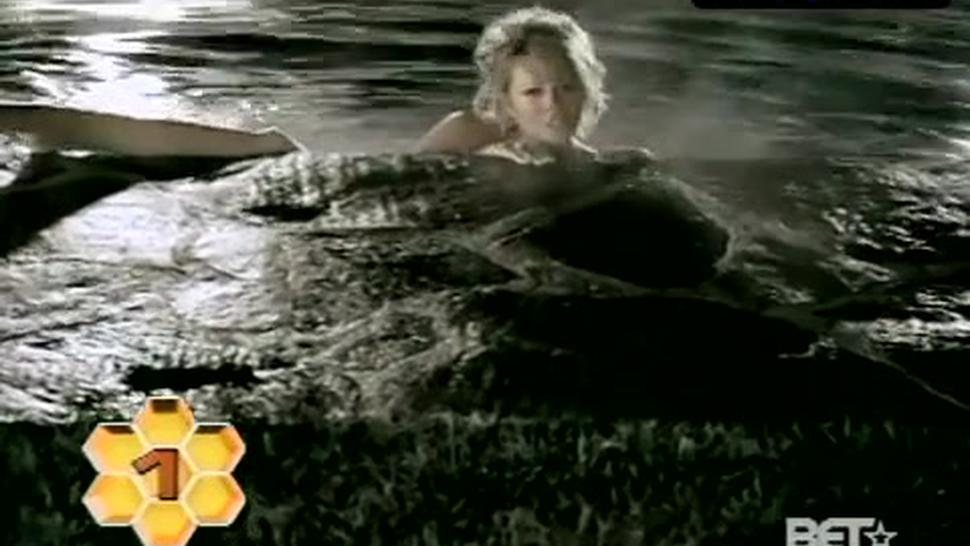 Mariah Carey Sexy Scene  in Don'T Forget About Us