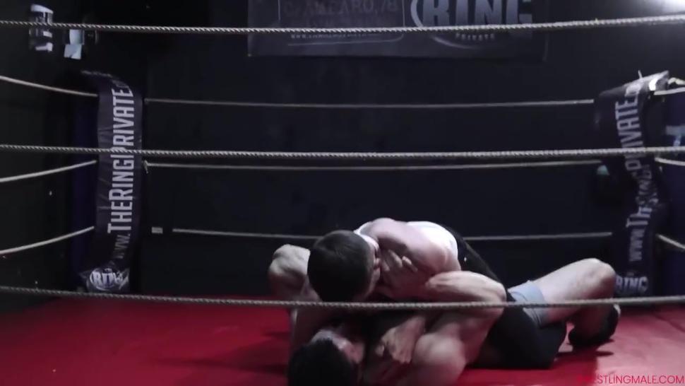 Wrestlingmale German Bodybuilder vs French slim hairy guy