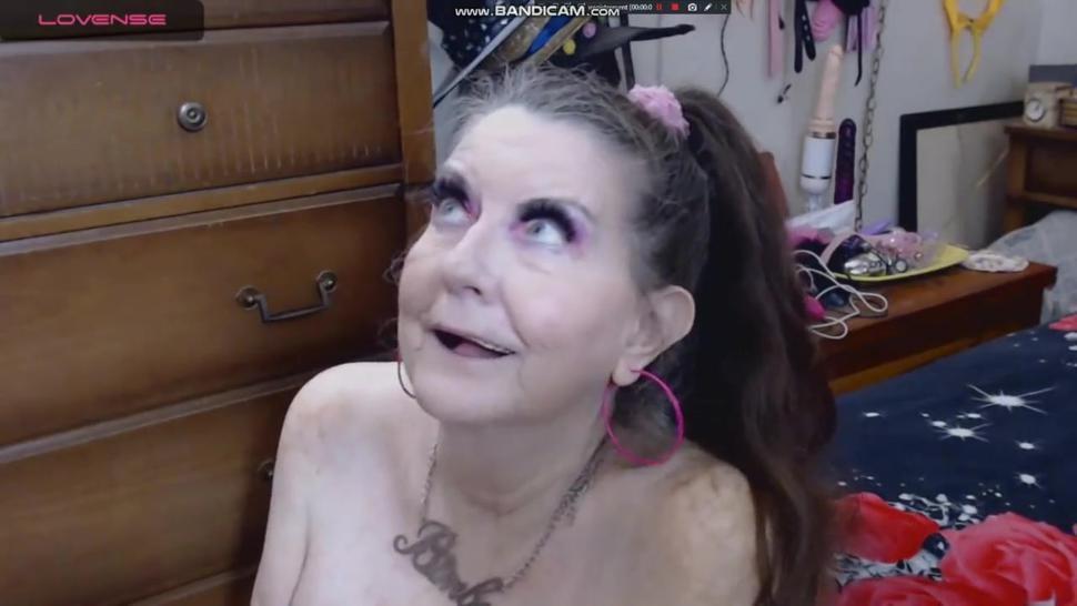 Nude granny slut sucks young dick till facial