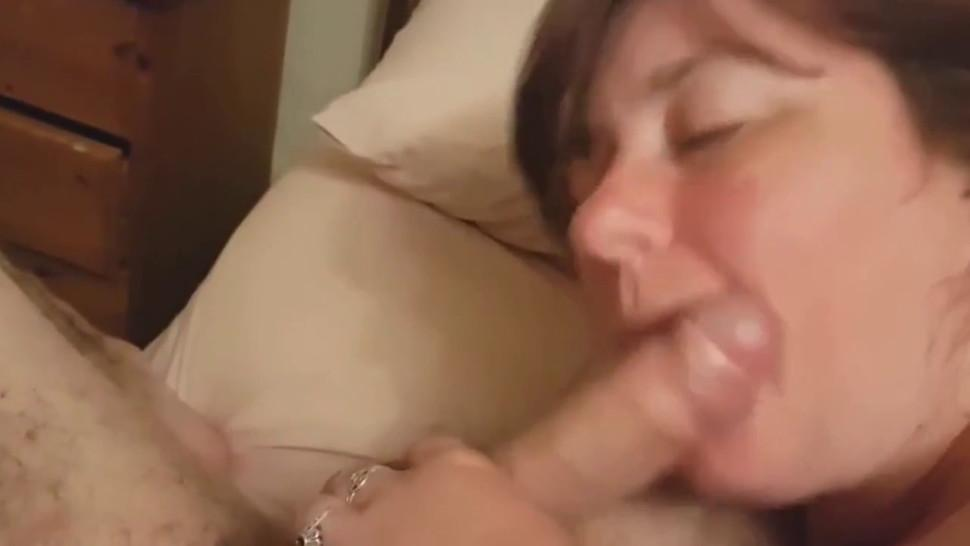 Amateur bbw wife takes facial after blowjob