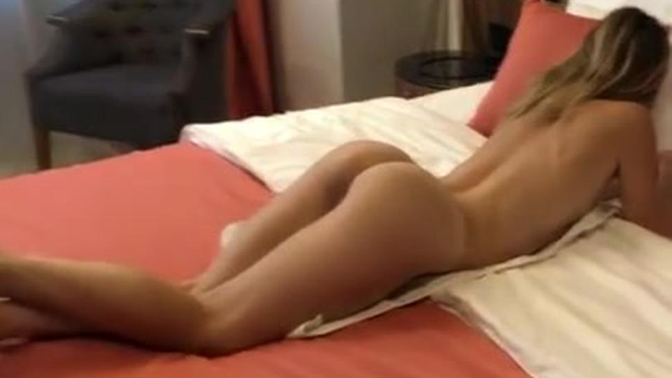 Naked French hottie wouldn't leave my hotel room