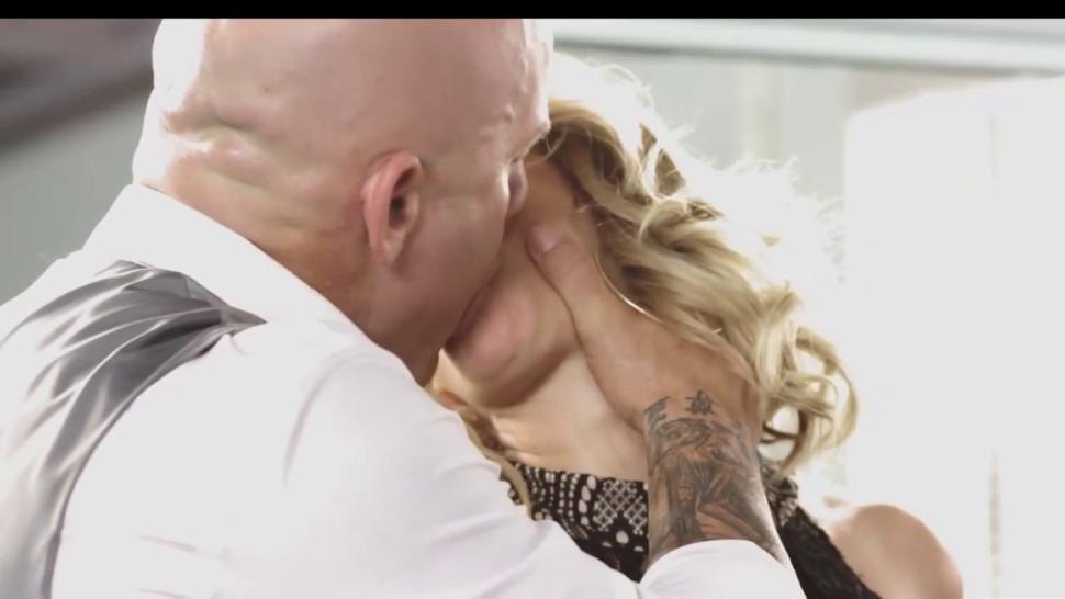 Threesome with Jessica Drake and loads of cumshot on thier faces