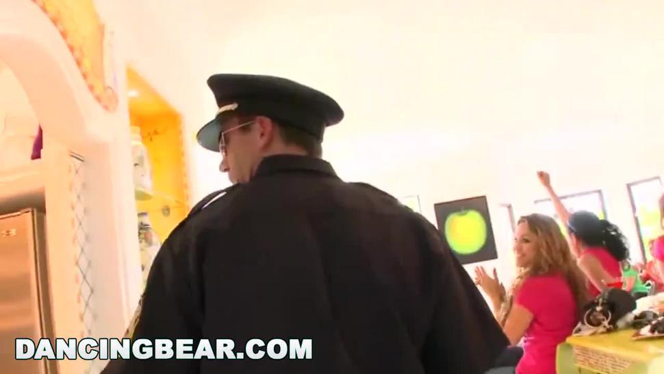 Hd/huge cock/bear bear bachelorette