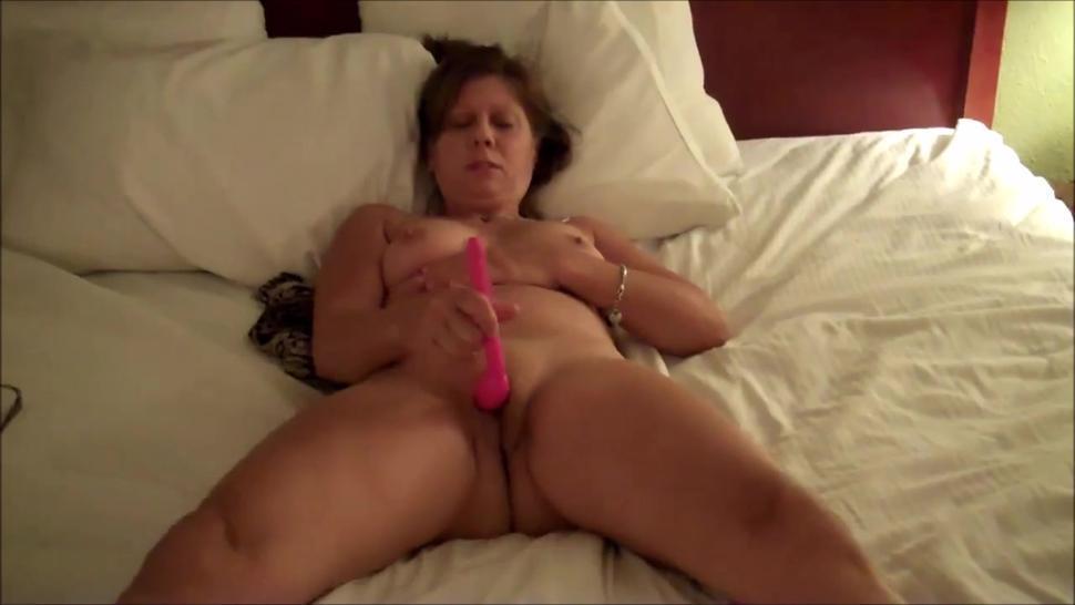 Mature wife masturbating till orgasm in front her lover