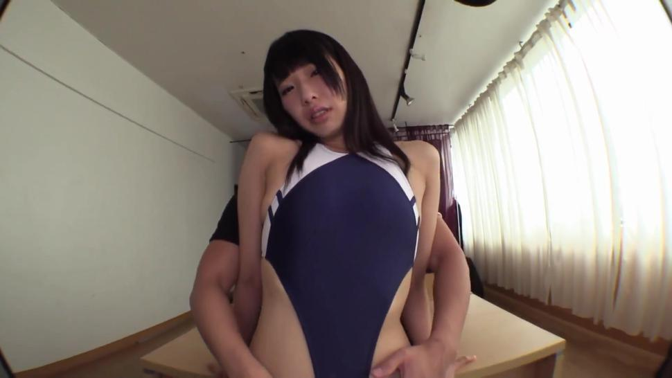 A Perverted Big Ass Schoolgirl In A School Swimsuit Who Loves French Kissing The Bukkake