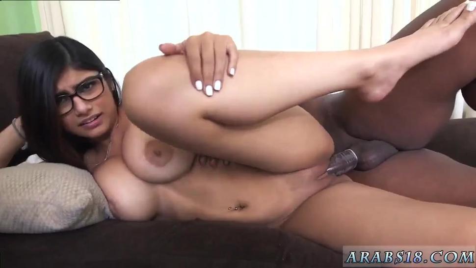 Arab Nude Mia Khalifa Tries A Big Black Cock