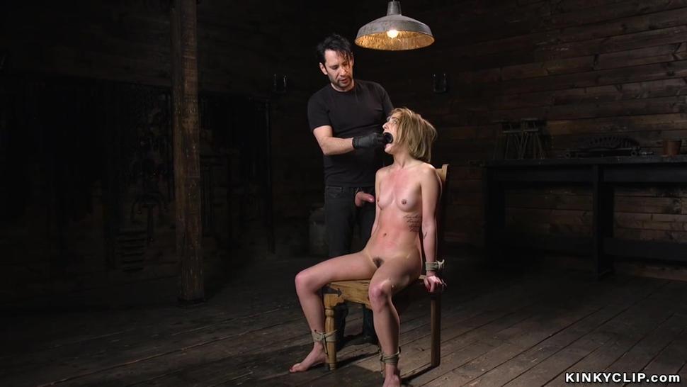 Slave in upside down suspension fucked