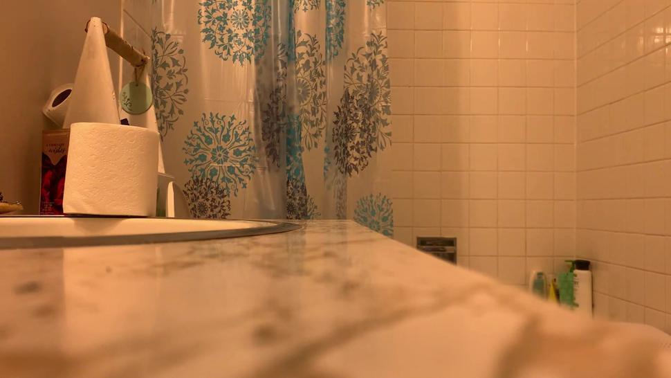 Pregnant Teen (18) SPY CAM - REAL - She's due on Friday! New clear shower curtain - new camera angle