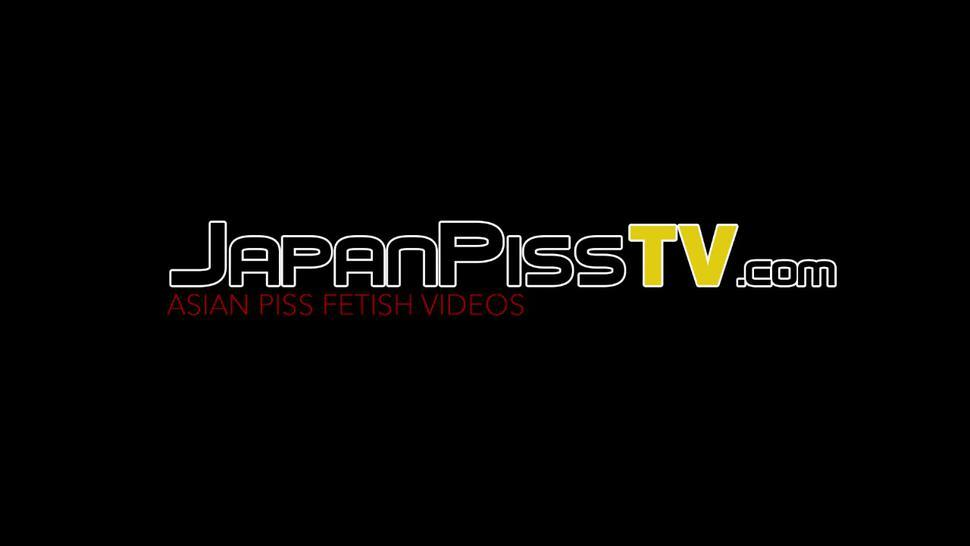 JAPAN PISS TV - Naughty Japanese babe close up caught pissing outdoors