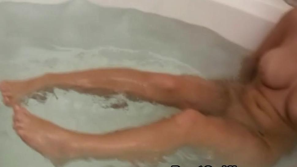 My Busty Neighbor Filmed Naked Inside Het Bathtub