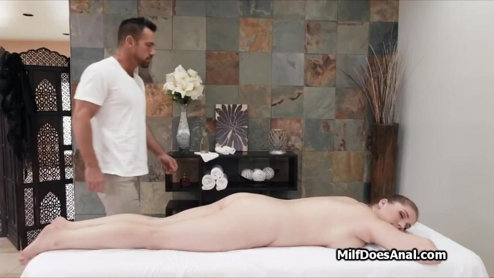 Deep anal penetration massage for MILF client