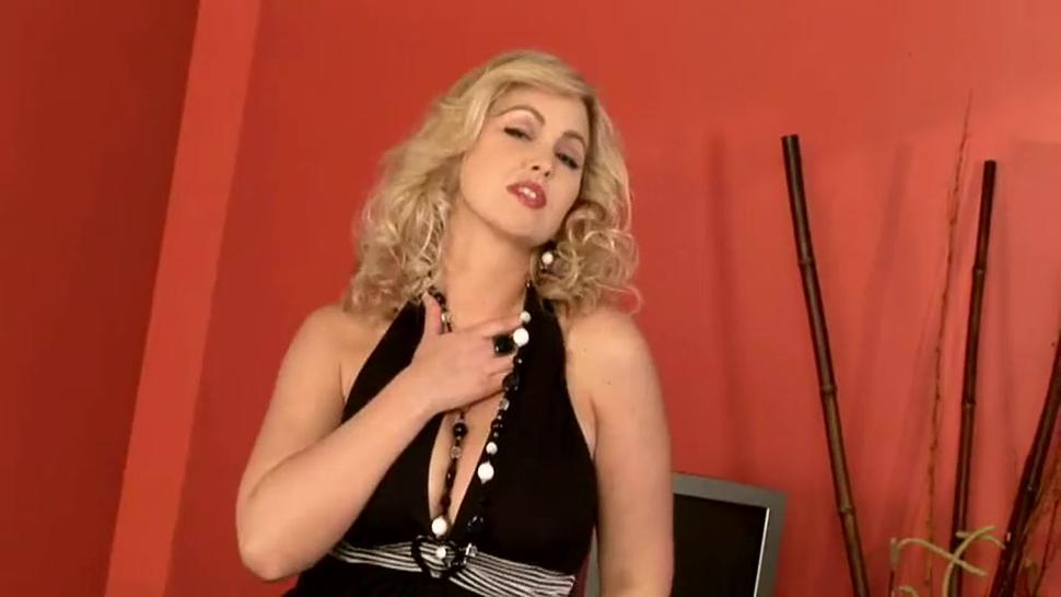 Nubile Woman Abbey And Her Wet Vagina - Abbey Brooks