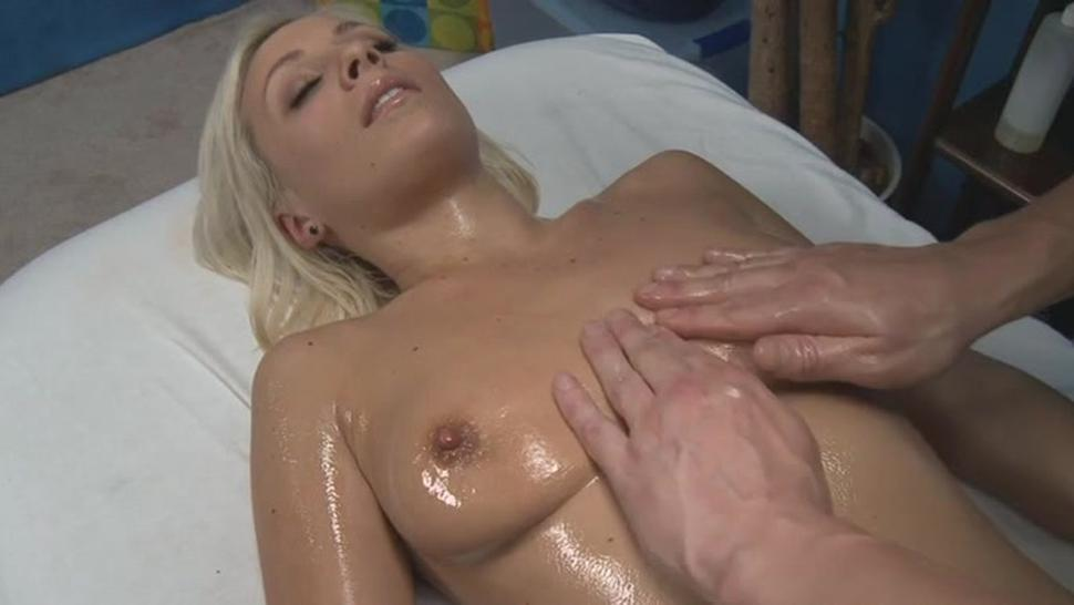 Naughty blonde floozy lexi swallow does a perfect blowjob