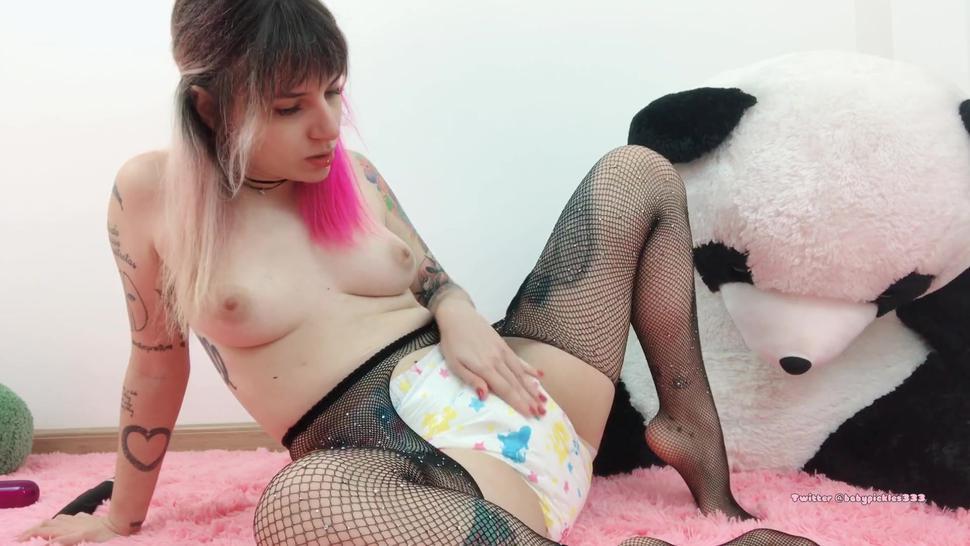 diaper girl pees in her diaper