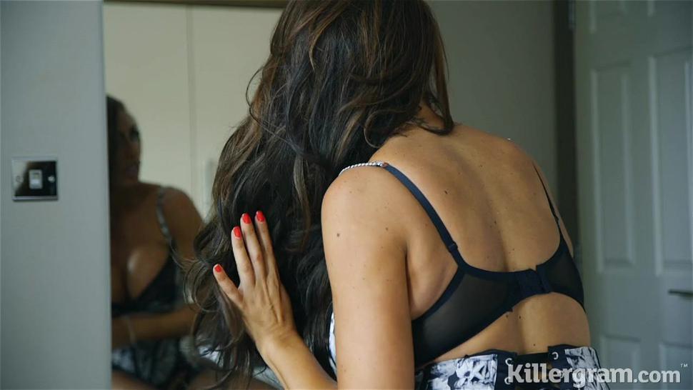 Busty Girl With Corset Loves Sex - Ava Koxxx