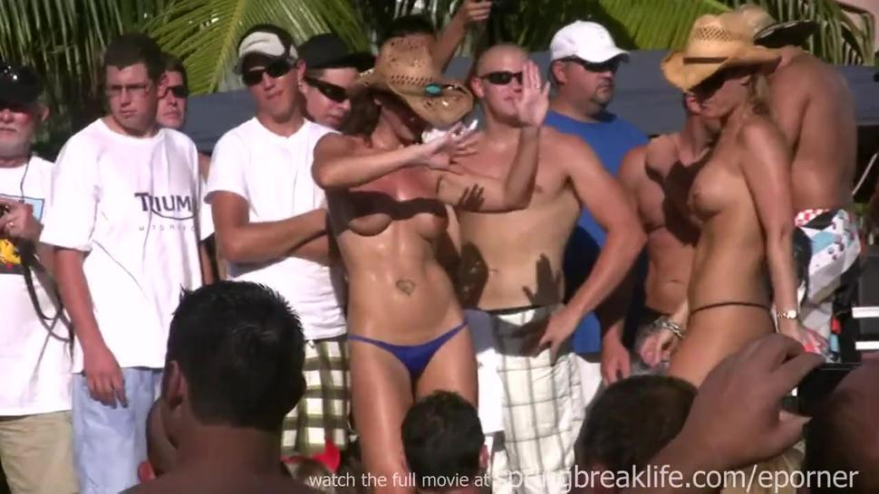 Sexy Pool Party Girls