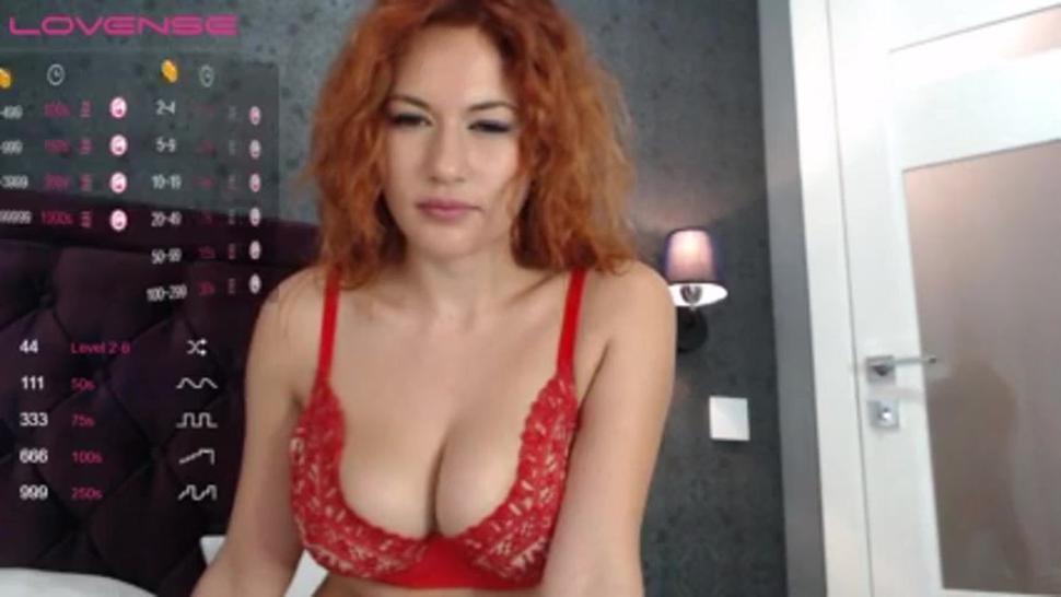 Webcam model Princess_Dia with amazing boobies anal games