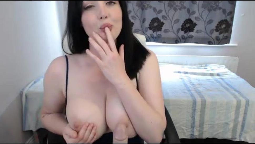 Melissa beautiful girl with beautiful natural boobs