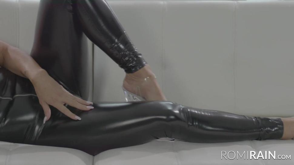 Romi Rain Licking Rough Pussy Of Aubrey Black