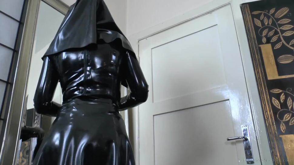 SMoking Nun with Strapon