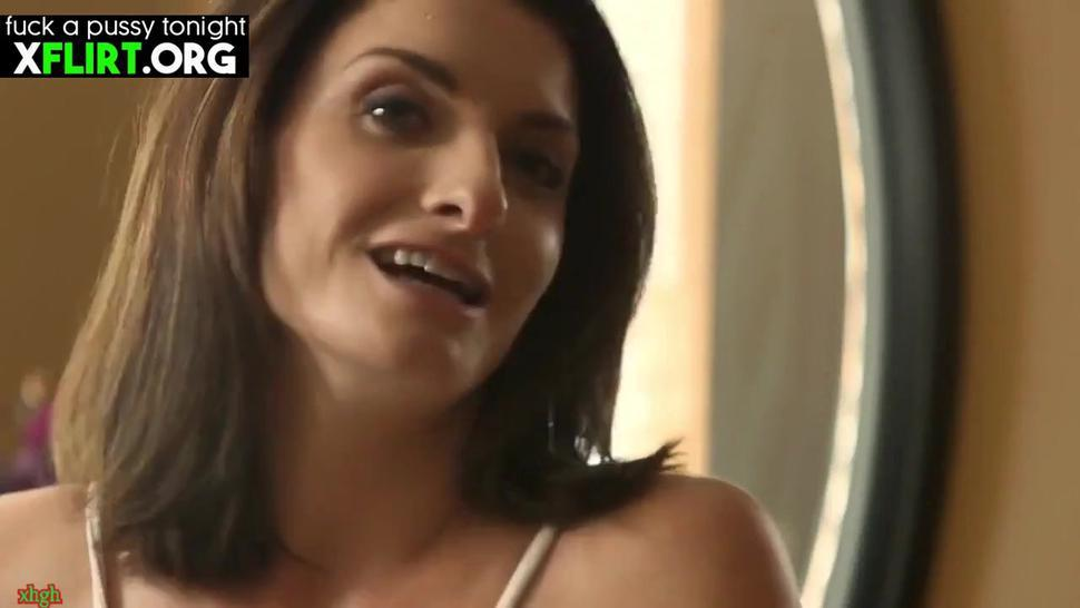 Silvia Saige American Sexy Stepmom Fucking Hard With Stepson On Bed