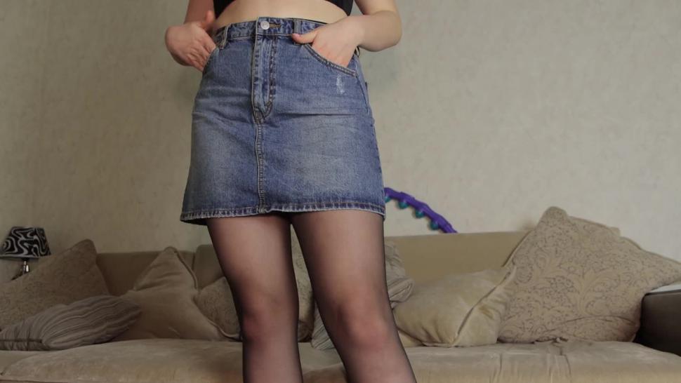 Teen in Pantyhose Handjob in her panties - cum panties