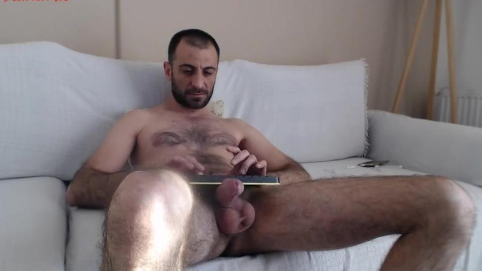 arab hung guy cums