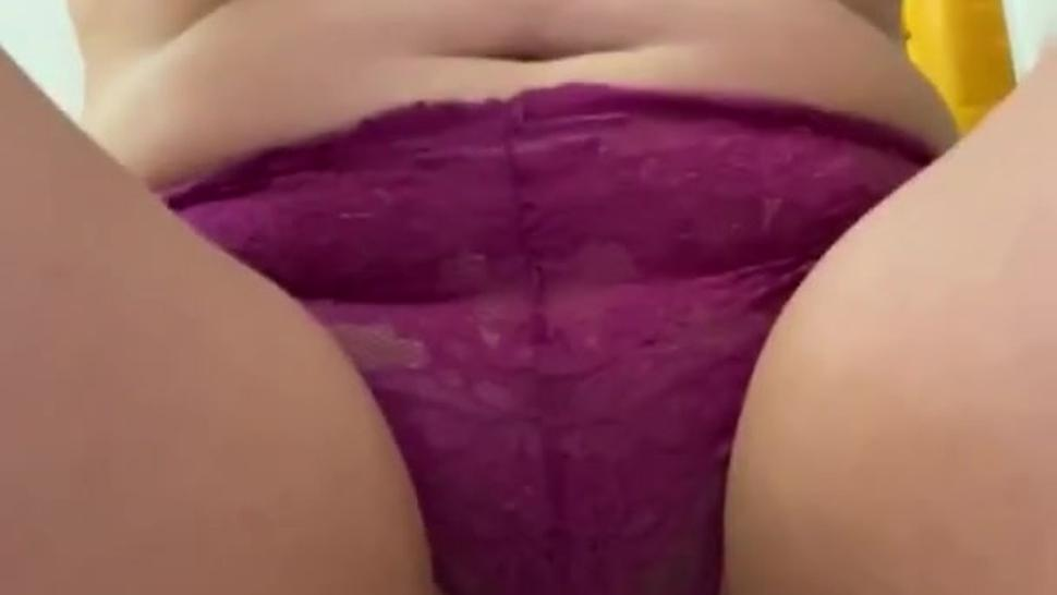 i piss in my own panties for over a minute before rubbing them all over my body