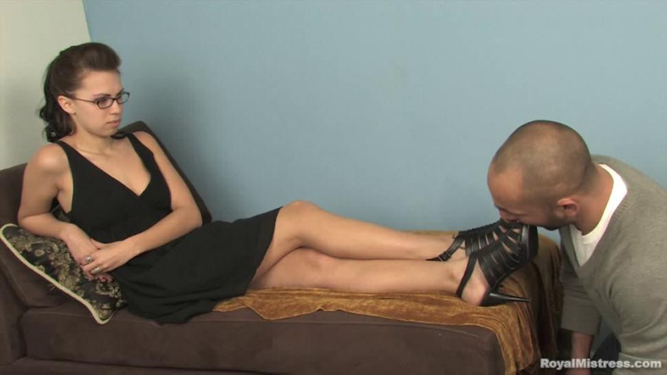 ROYAL MISTRESS - Worshiping Mistress Denna's high heels and feet